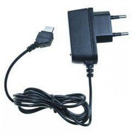 Универсално зарядно устройство за GSM апарати 5V/2.1A и 5V/1A с USB